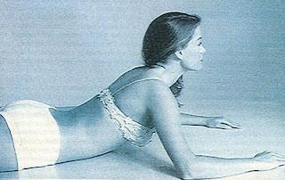 Ćwiczenia na płaski brzuch bez przyrządów. Rozciąganie mięśni brzucha