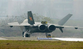 Pesawat_Jet_J-20_Might_Dragon_Pesawat_Jet_siluman_China_4