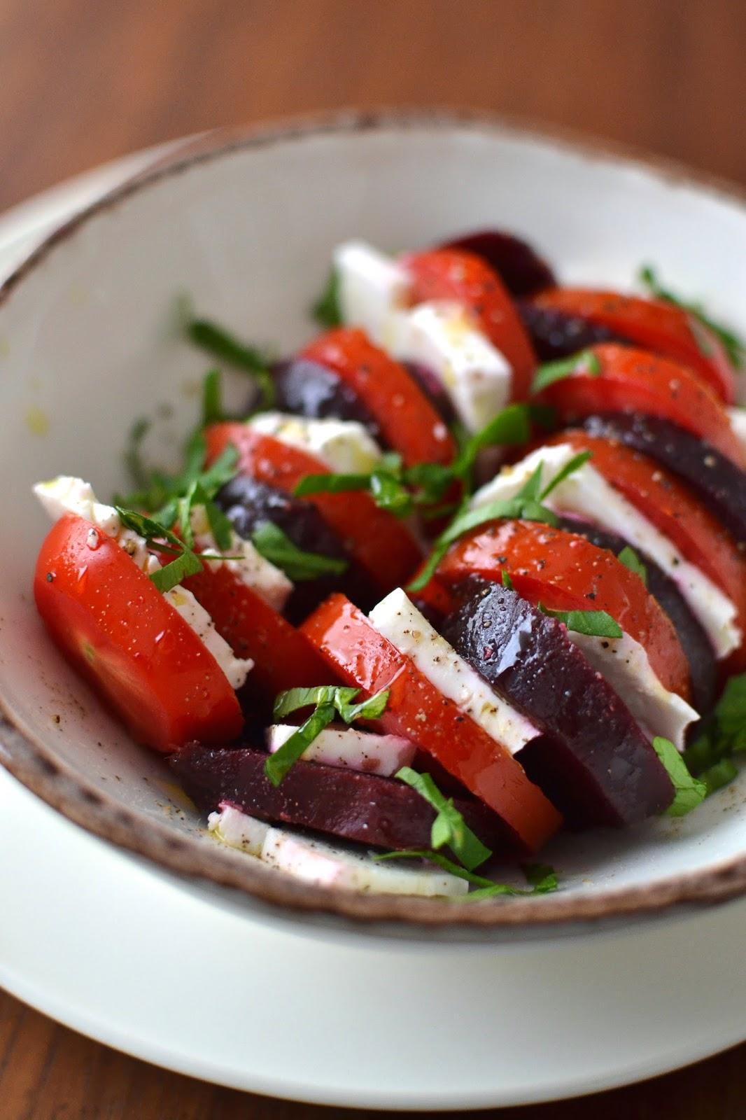 Simple comme ma salade marre de la tomate mozza - Salade de tomates simple ...