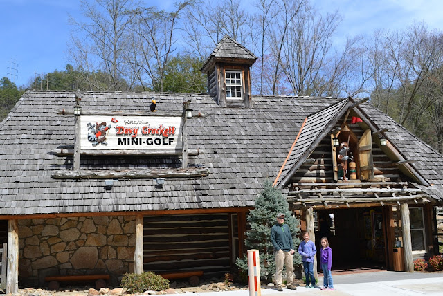 Davy Crockett Mini-Golf Gatlinburg