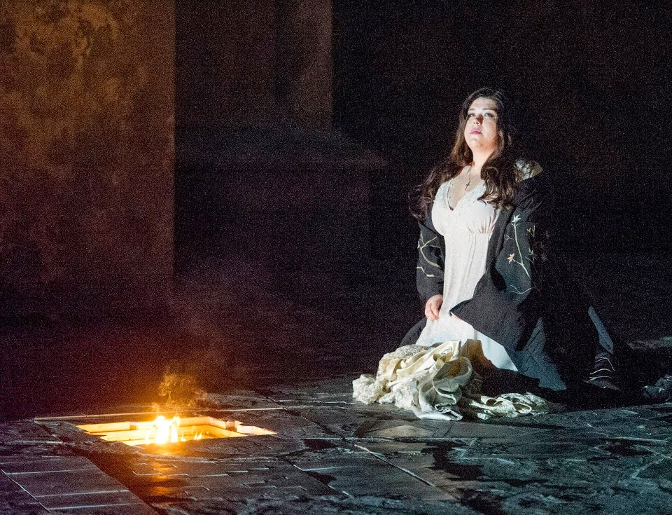 Leah Crocetto in act four of Verdi's Otello at English National Opera - photo Alastair Muir