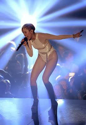 Miley_Cyrus_mtv_ema