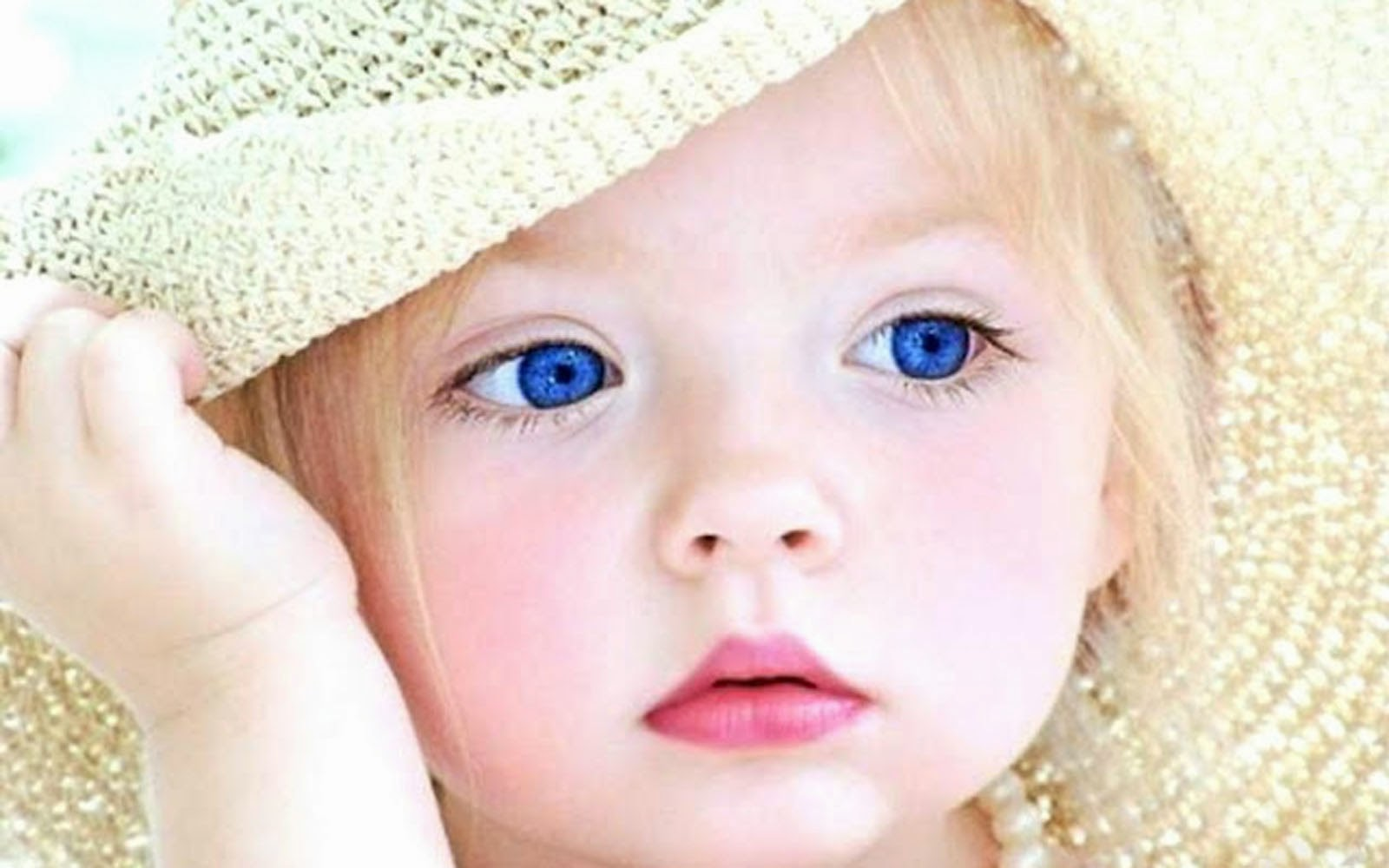 Cute Baby Wallpapers HD Free