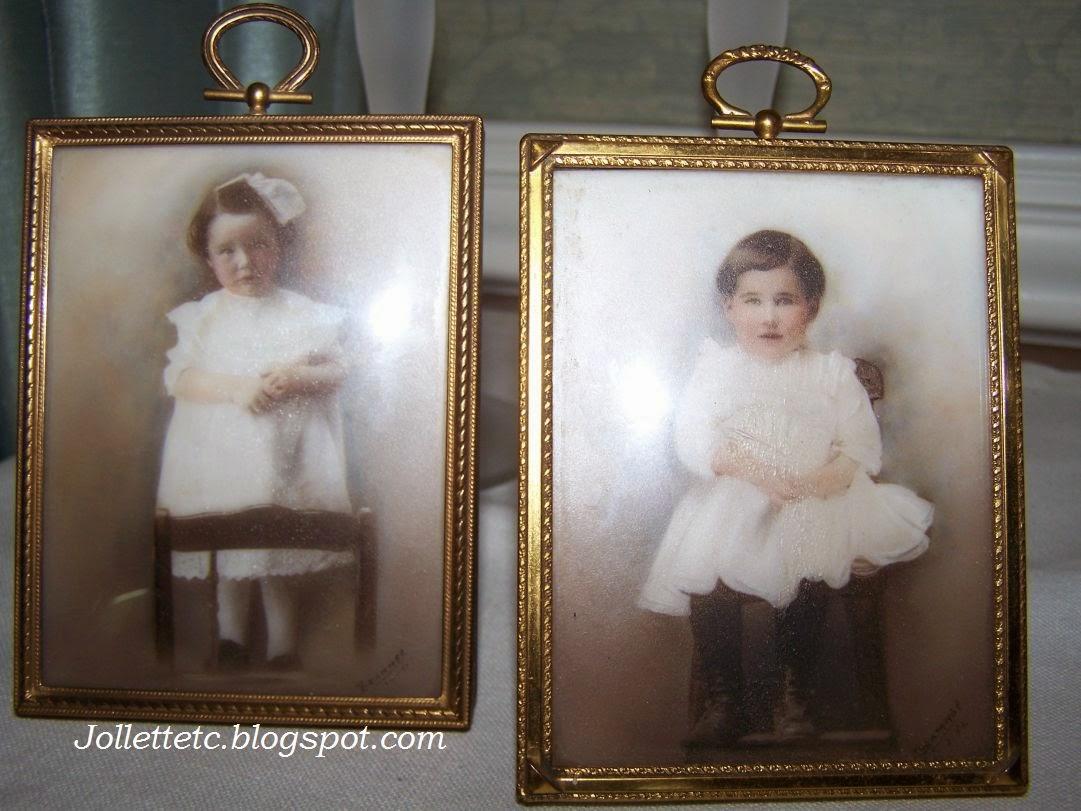 Violetta Davis (1904-1989) and Velma Davis (1908-1968)  http://jollettetc.blogspot.com