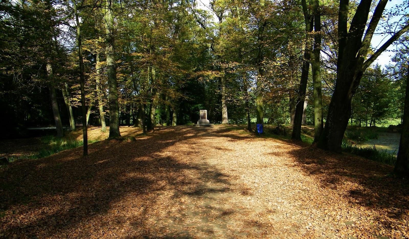 Jesień Park Spacer Park przyzamkowy Zamek Moszna