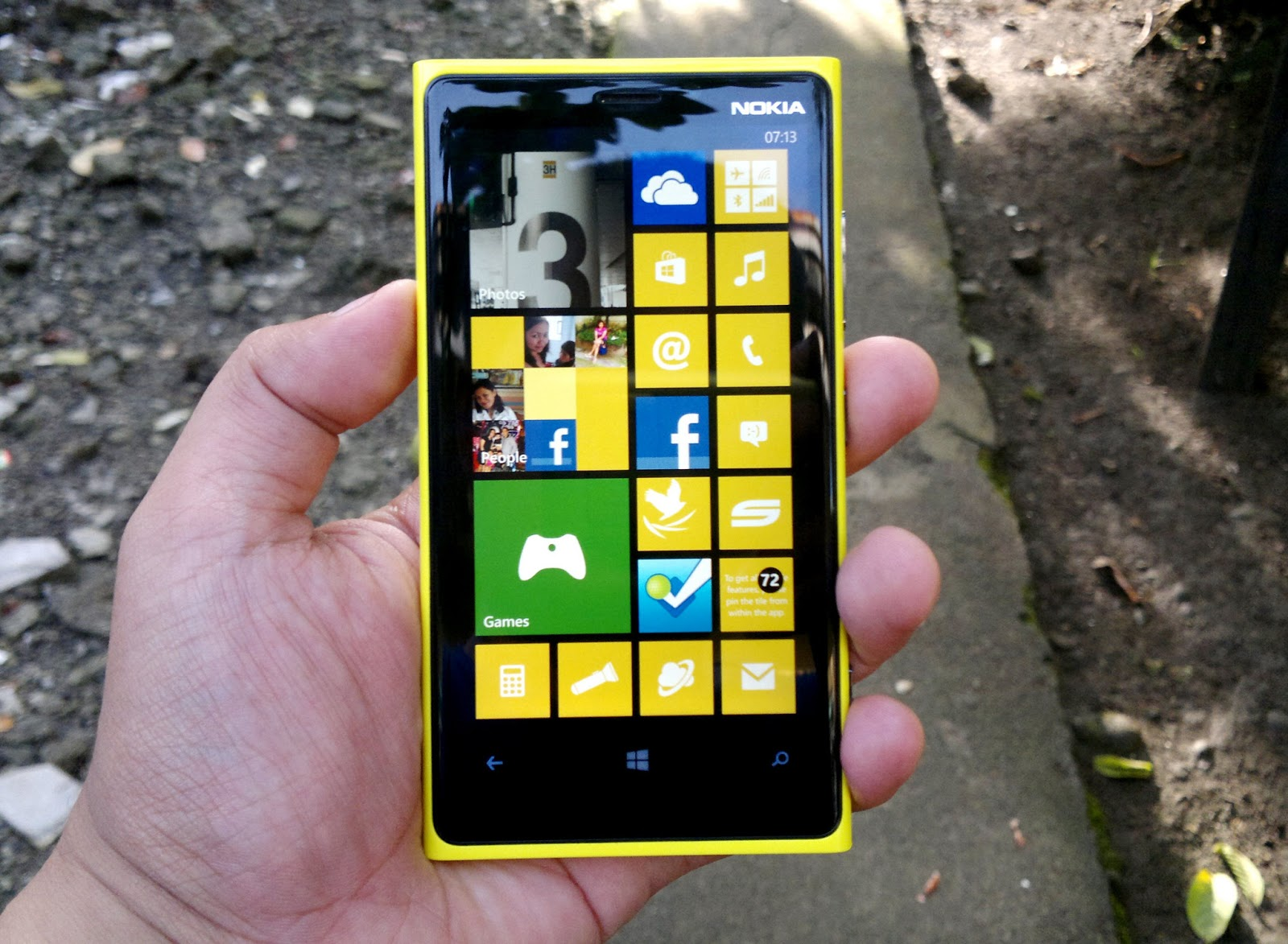 Nokia finally unveils not one but two windows phones the lumia 800 - Probably Like Most Of You I Consider Myself A Newbie To The Windows Phone System Yes I Ve Trialled A Nokia Lumia 800 Before But It Bugged Down On The
