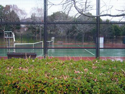大阪府・深北緑地ウォーキング テニスコート