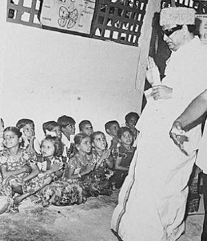 'Makkal Thilagam' MGR 6