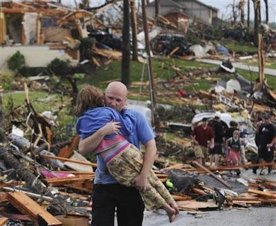 casas destrozados luego del tornado en joplin 2011