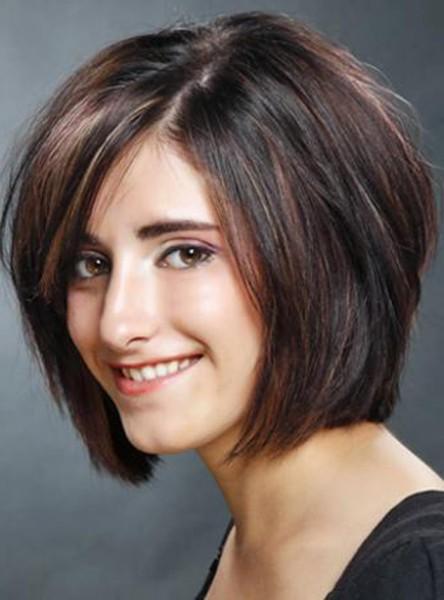 wajah bulat sangat cocok dengan model rambut bob pendek model rambut
