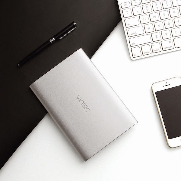 2. Vinsic Ultra Slim Digital Power Bank