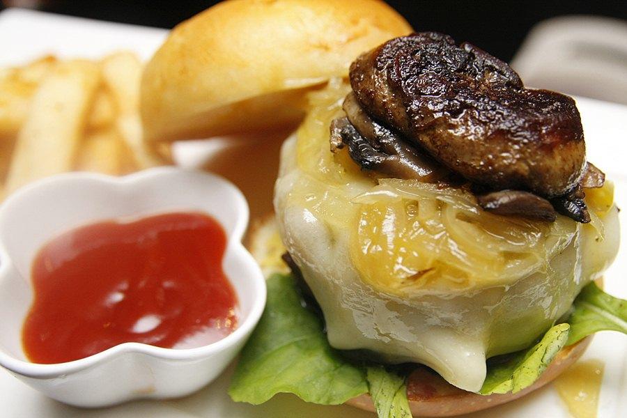 71 Gramercy Restaurant Gramercy Burger