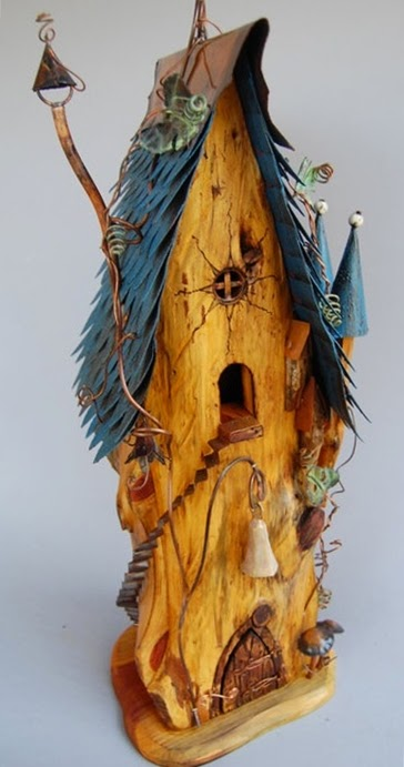 kora, drewno i blaszka - domek