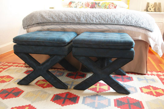 jen at little green notebook spray painted these x stools hiding. Black Bedroom Furniture Sets. Home Design Ideas