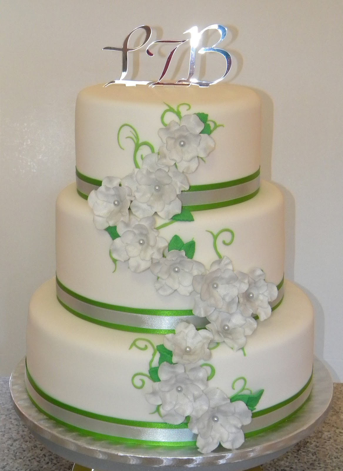BITE ME CUPCAKES And WRAPPERS LIGHT GREEN SILVER 3 TIER WEDDING CAKE
