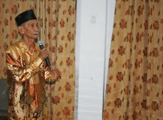 KH. Syamsuddin Latief : Negara Wajib Menegakkan Syariat