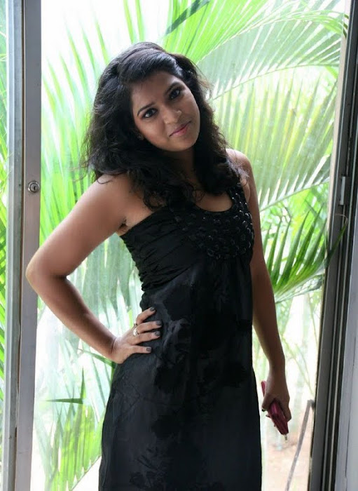 model bhargavi glamour  images