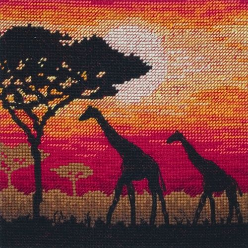 Maia Giraffe Silhouette