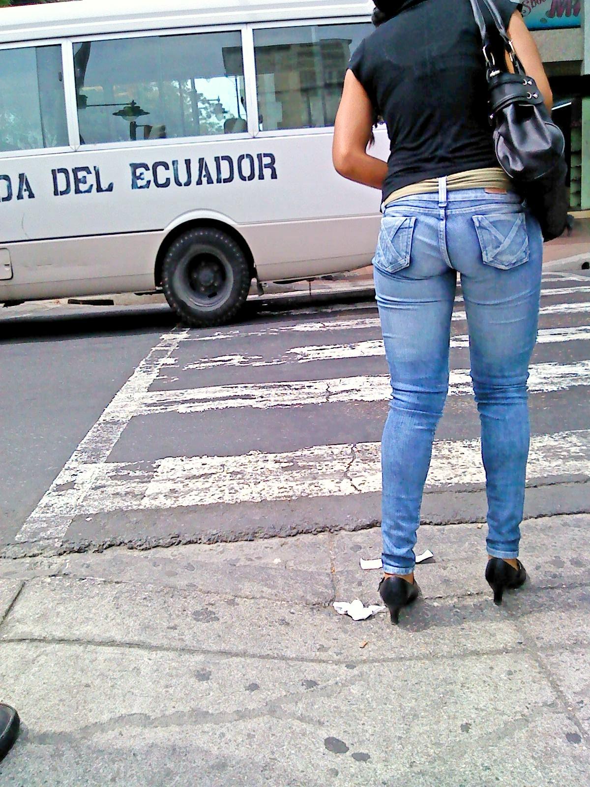 buscandoenlacallecolas: Culo Riquisimo en Jeans