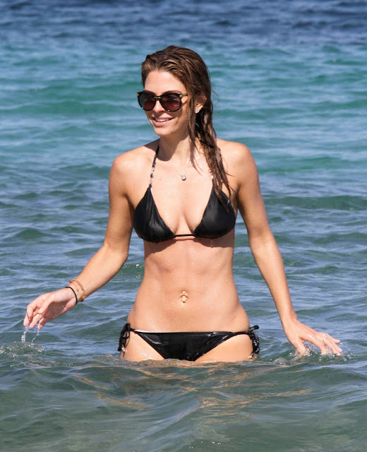 Maria Menounos Hot Beach Body Bikini Candids In Greece indianudesi.com