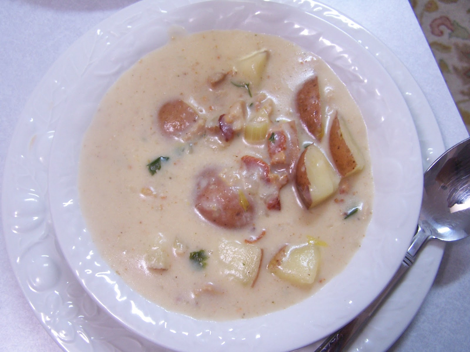 gluten free clam chowder with healthy ingredients
