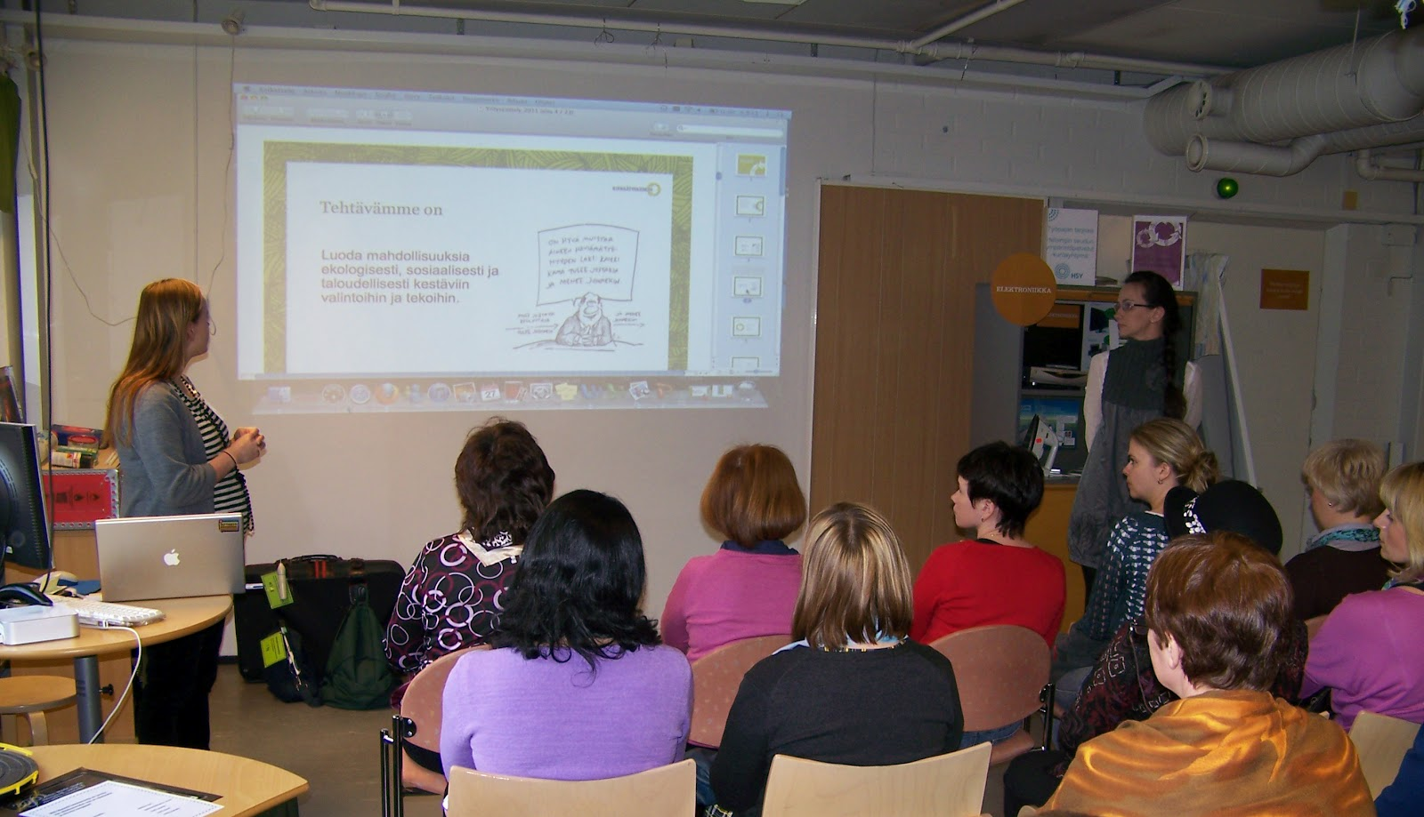 environmental education and play in swedish Perceptions of the concept of sustainable development among russian and swedish students examensarbete på lärarprogrammet environmental education, education for sustainable development, russia, sweden can play an important role in the process of reorganizing the society and.