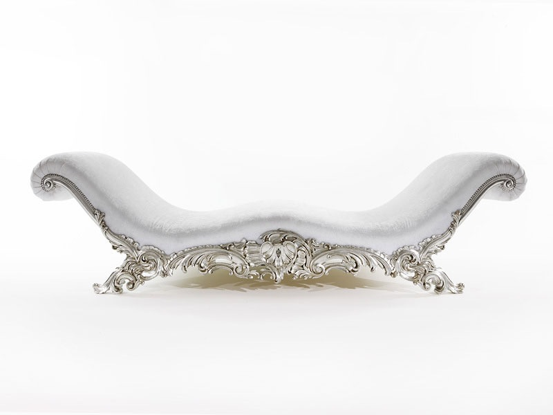 Elegance of living chaise longue sofa designs for Chaise longue classic design italia