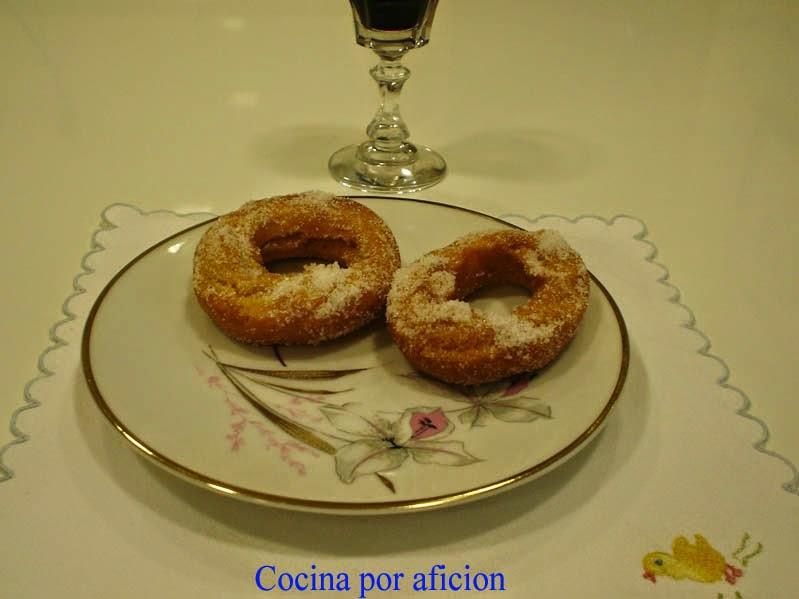 http://cocinaporaficion.blogspot.com/2008/08/rosquillas-de-naranja.html