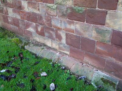 Restos originales de fuerte romano de Manchester en Castlefield