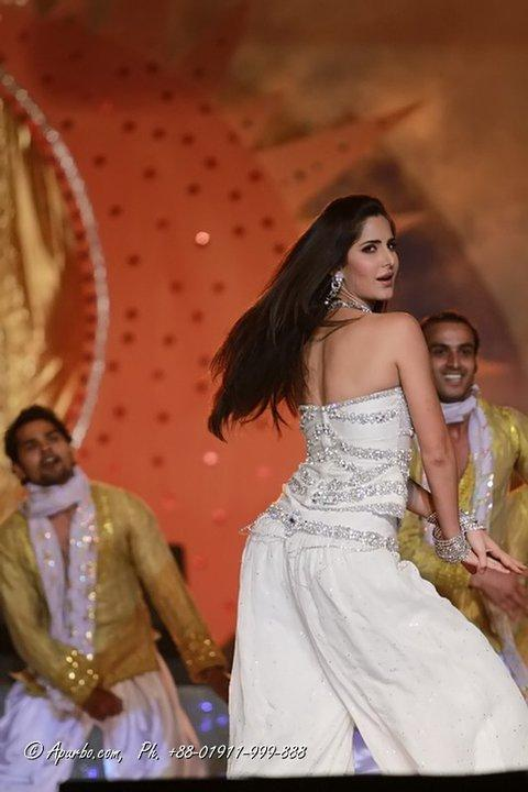 Katrina Kaif back hot - Katrina Kaif Pics from Tri nation concert Performance in Bangladesh