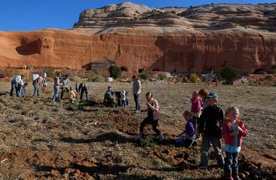 Gaya Masyarakat Mormon Hidup Berpoligami Tinggal Dalam Bukit Batu