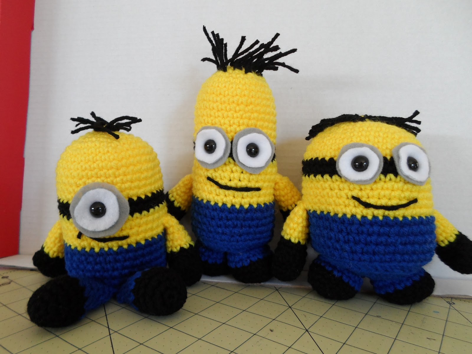 Free Crochet Batman Minion Pattern : Kristens Crochet: Minion Inspired Crochet Softie