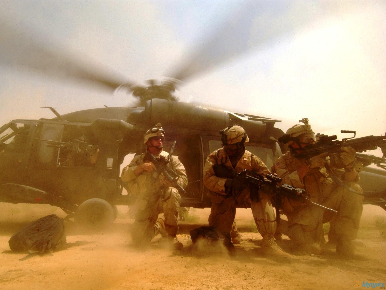 http://3.bp.blogspot.com/-Qm-Bq7IIuAE/TzJXKRgoxoI/AAAAAAAAAqA/SUsGHI9GH3Y/s1600/iraq_afghanistan_war_us_soldier-1600x1200.jpg