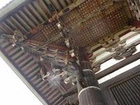 大仏堂(金堂)の柱屋根