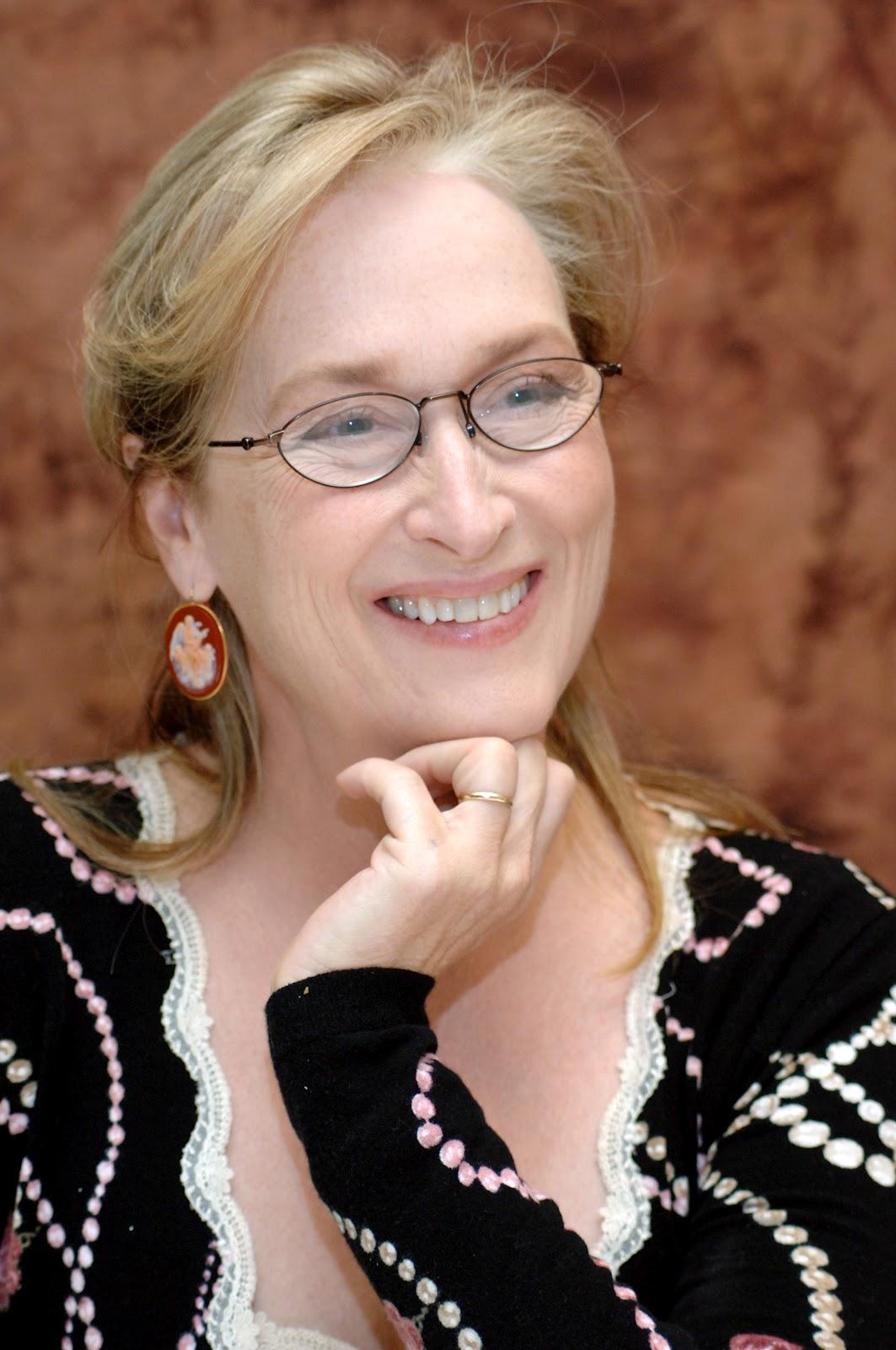 http://3.bp.blogspot.com/-QmDmMYXg0r4/UFvcusJW_KI/AAAAAAAAHQY/AuxSOYtRgEY/s1600/Meryl+Streep.jpg