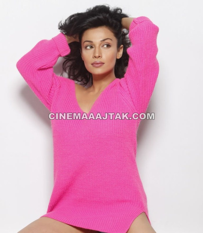 Mayuri hot Photo Shoot Pic sin Pink Top