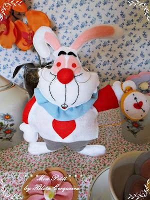 decoração aniversário-em feltro-Alice no país das Maravilhas-coelho branco-Alice in Wonderland-felt- White Rabbit