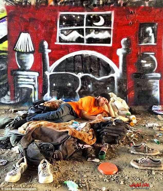 عالم غريب، منازل المشردين، فنان بارع