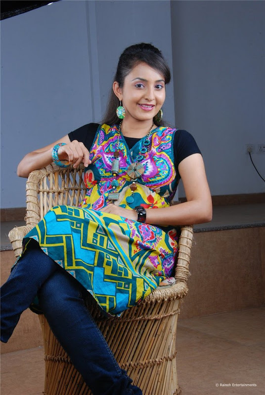 Malayalam Actress Bhama Latest Cute Stills Images Gallery wallpapers