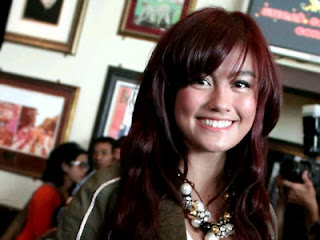 Agnes Monica Raih Shorty Awards
