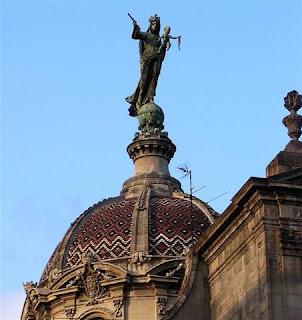 estatua merce barcelona