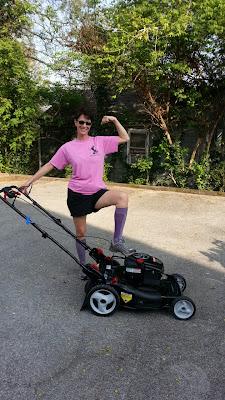 sassy glass studio, lisa mueller, lawn mower, pink, purple, knoxville, lawn, dogwood art detour