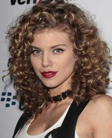 Model Naturally Curly Hairstyles 2013  Curly Hairstyles 2013