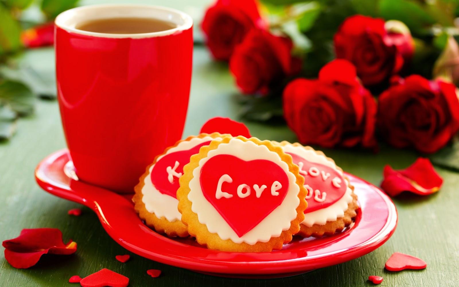 Foto van valentijnskoekjes met de tekst love