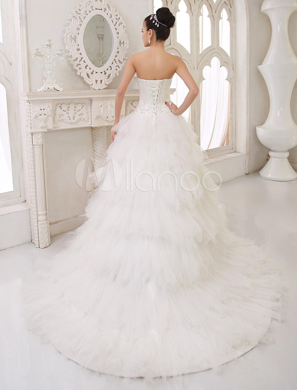 Robe de mariée luxueuse en crème d'A-ligne en satin de longueur de balayage
