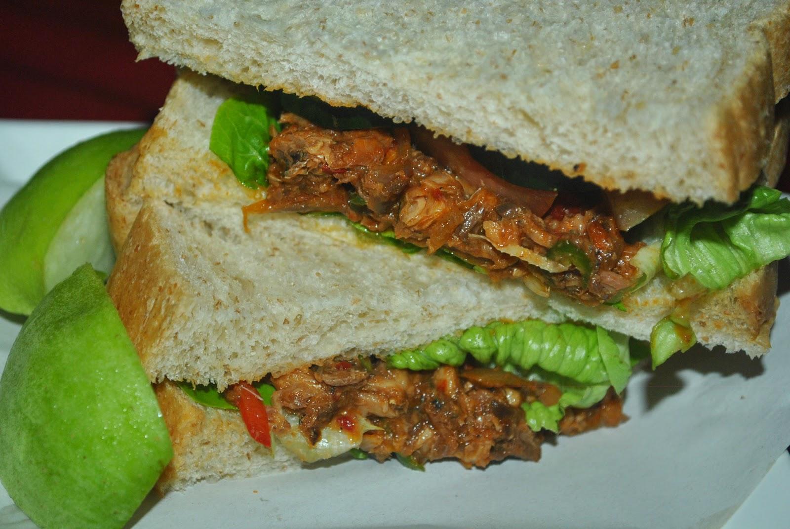 Patyskitchen sardine sandwich sandwich sardin for Sardine lunch ideas