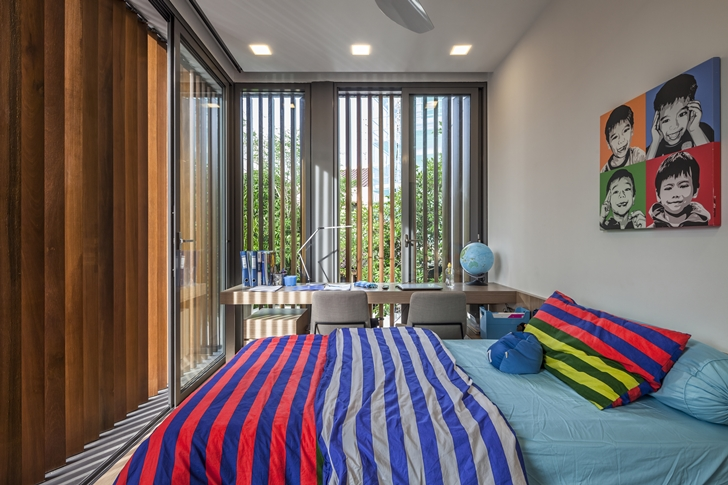 Male kid's bedroom in Modern House by Wallflower Architecture + Design