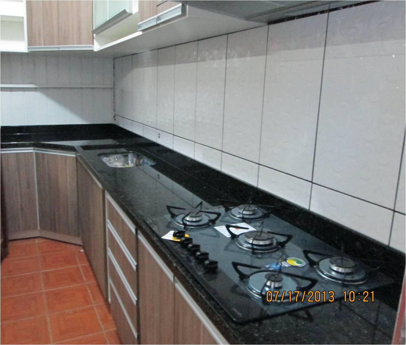 MARMORARIA CARDOZO: Bancada de Cozinha em Granito Verde Ubatuba. #7E4E3F 1326 1127