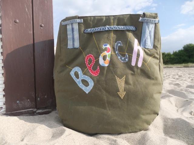 Beach-Bag aus Armeeplane und Jeans