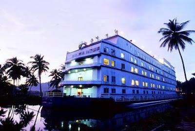 Hotel-Hotel Unik Terapung Di Air